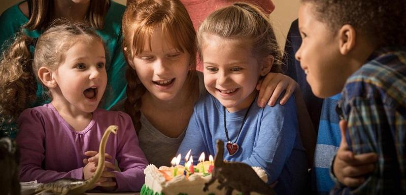 idea-birthday-greetings-Surprise-01 ایده تبریک تولد و هدیه برای سورپرایز کردن